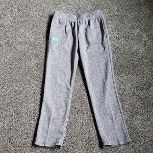 Boys Under Armour pants with pockets